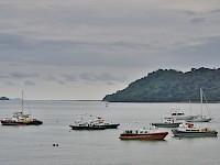 Pequeña flota de barcos
