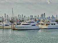 Barcos en el causeway de Amador - Panamá
