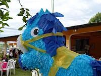 Piñata de caballo color azul